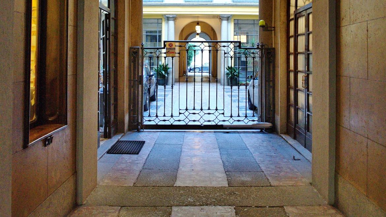 Affitto monolocale via Manzoni, Milano 1