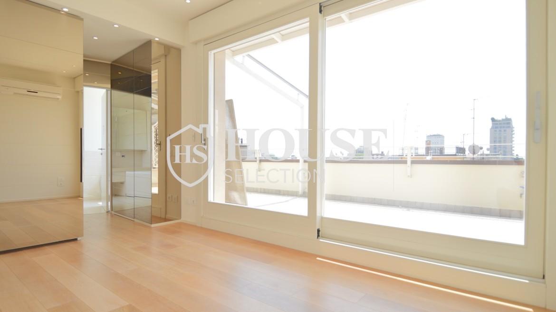 affitto-attico-con-terrazzi-corso-venezia-ultimo-piano-luminoso-signorile-ristrutturato-ampie-vetrate-semi-arredato-milano-9