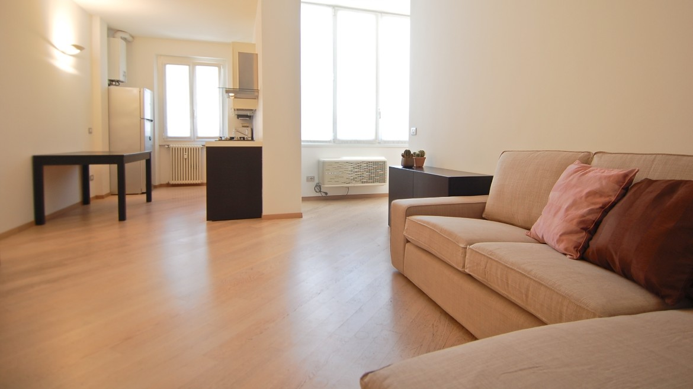 Affitto attico bilocale via Pirandello, via Elba, via Washington, corso Vercelli, MM Pagano, ultimo piano, luminoso, ristrutturato, arredato, Milano 12