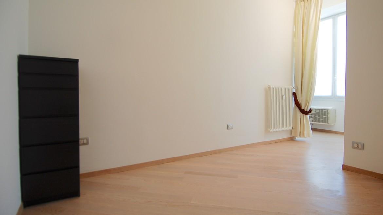 Affitto attico bilocale via Pirandello, via Elba, via Washington, corso Vercelli, MM Pagano, ultimo piano, luminoso, ristrutturato, arredato, Milano 2