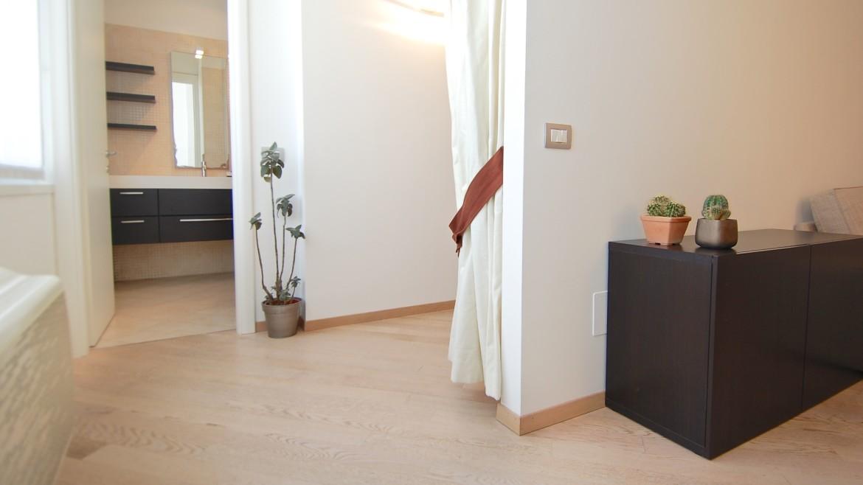Affitto attico bilocale via Pirandello, via Elba, via Washington, corso Vercelli, MM Pagano, ultimo piano, luminoso, ristrutturato, arredato, Milano 4