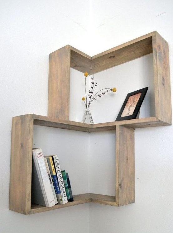 Mensole angolari per piccoli spazi house selection - Parete in legno fai da te ...