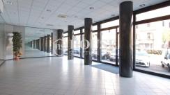 Affitto ampio negozio viale Monza