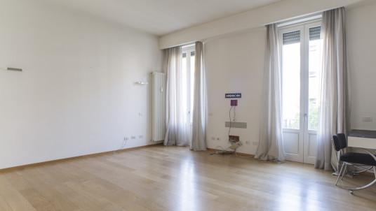 Vendita quadrilocale in zona Sempione, Milano