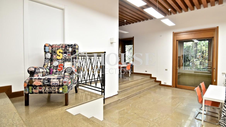 affitto ufficio show room visconti di modrone milano