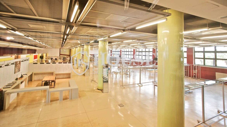 Vendita stabile uso ufficio show room via Cevedale, Bovisa e Politecnico di Milano, posti auto, terrazzo, luminoso e ristrutturato, Milano 14