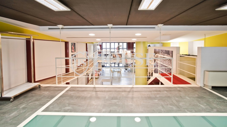 Vendita stabile uso ufficio show room via Cevedale, Bovisa e Politecnico di Milano, posti auto, terrazzo, luminoso e ristrutturato, Milano 15