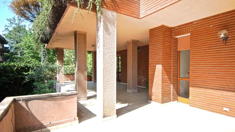 Vendita villa con giardino San Siro, bifamiliare, terrazzo, box auto, Milano
