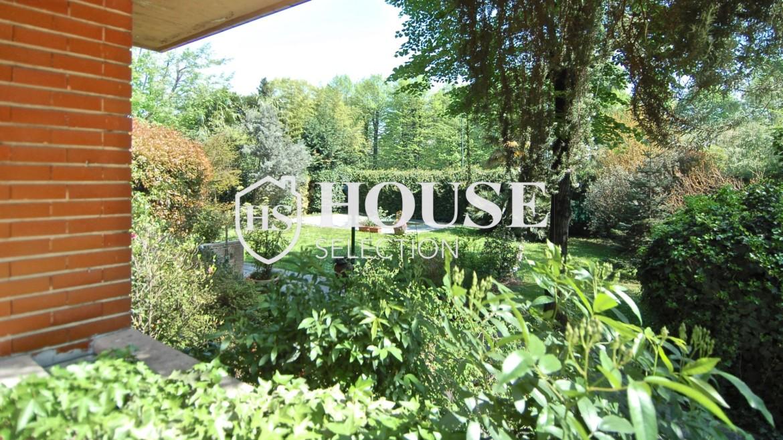 Vendita villa con giardino San Siro, bifamiliare, terrazzo, box auto, Milano 4