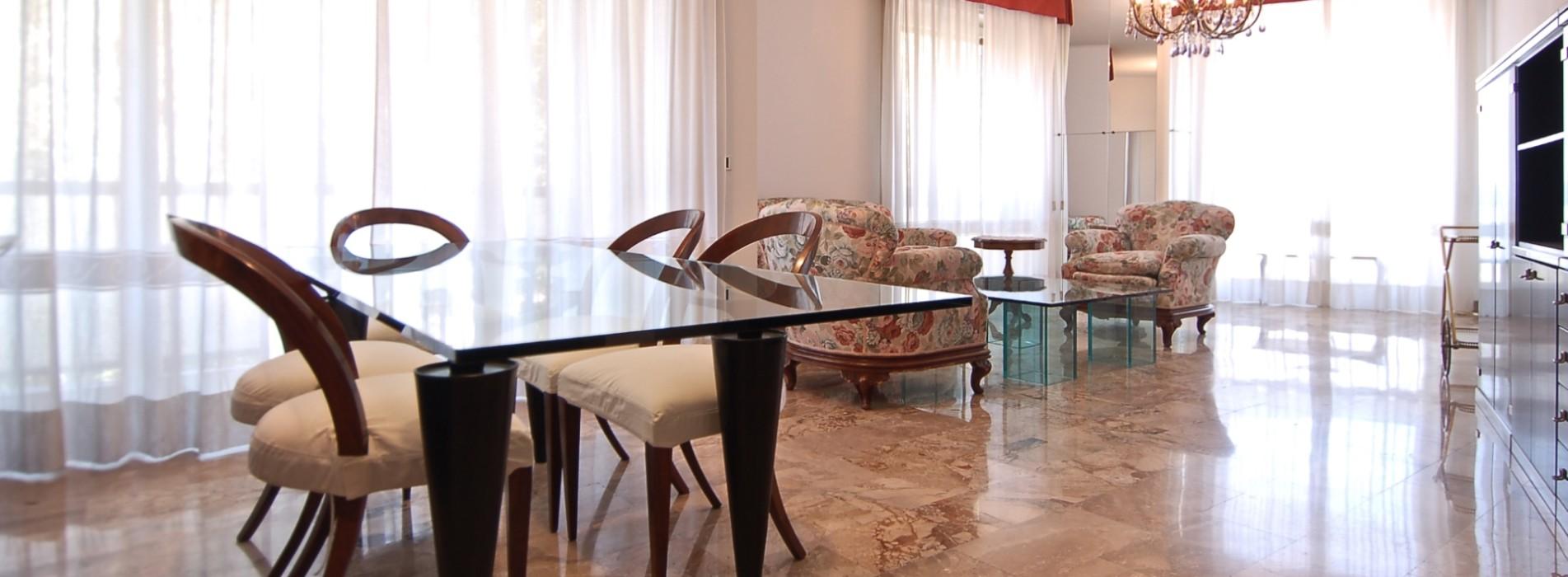 Vendita ampio trilocale corso Vercelli