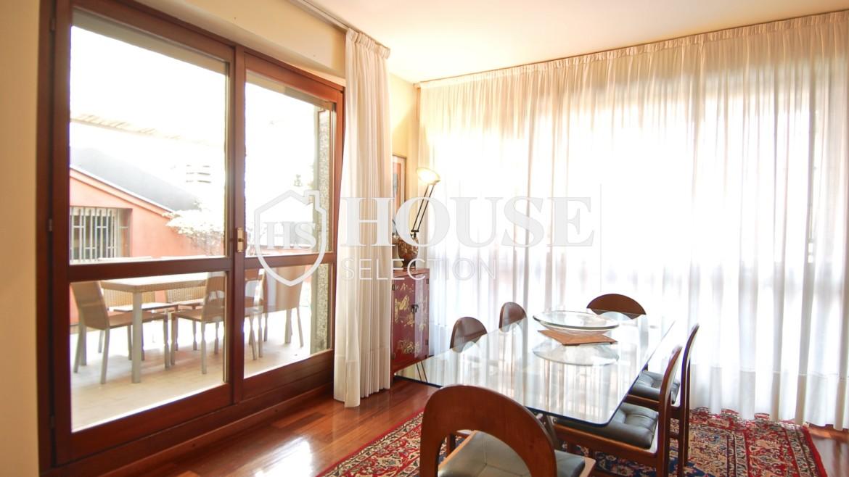 Vendita attico con terrazzo via Palmieri, ristrutturato, stabile signorile, ascensore, box auto, Milano 19