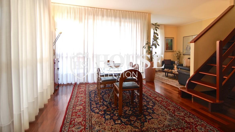 Vendita attico con terrazzo via Palmieri, ristrutturato, stabile signorile, ascensore, box auto, Milano 24
