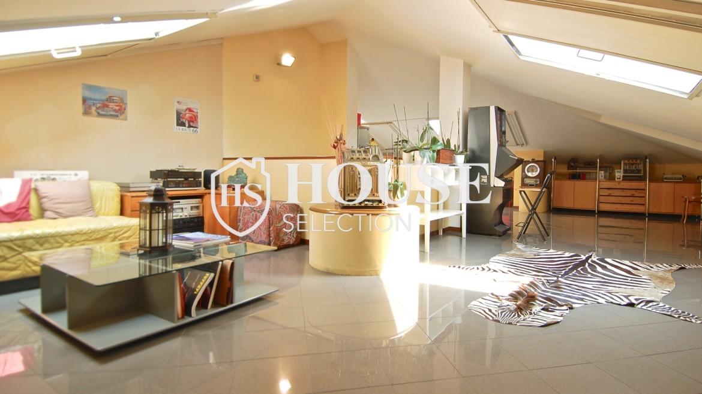 Vendita attico con terrazzo via Palmieri, ristrutturato, stabile signorile, ascensore, box auto, Milano 5