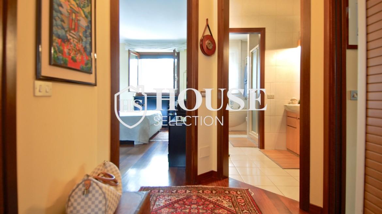 Vendita attico con terrazzo via Palmieri, ristrutturato, stabile signorile, ascensore, box auto, Milano 9