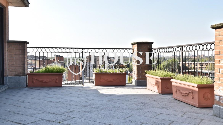 Vendita attico con terrazzo San Siro, recente costruzione, ristrutturato, ultimo piano, ascensore, Milano 3