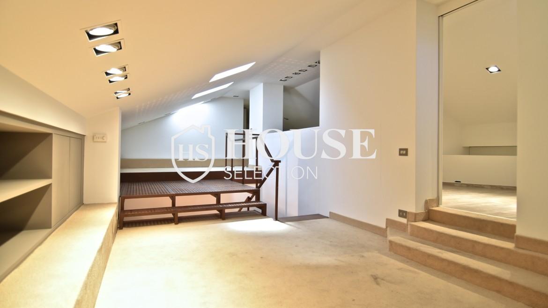 Vendita attico San Babila, centro storico Milano, ultimo piano, palazzo Visconti, lusso in stabile epoca, storico 16
