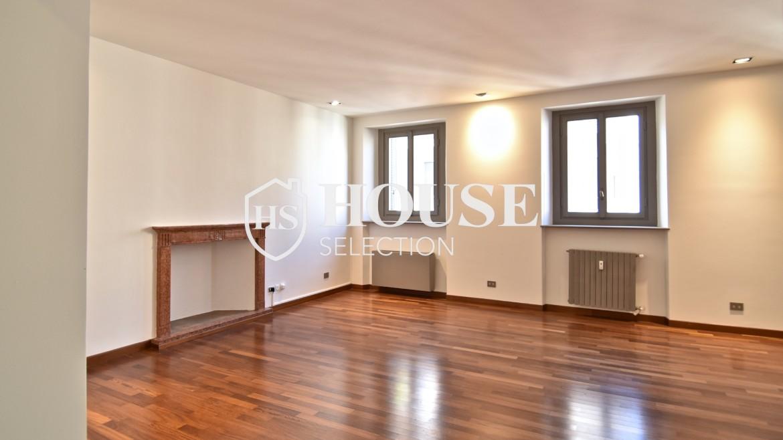 Vendita attico San Babila, centro storico Milano, ultimo piano, palazzo Visconti, lusso in stabile epoca, storico 2