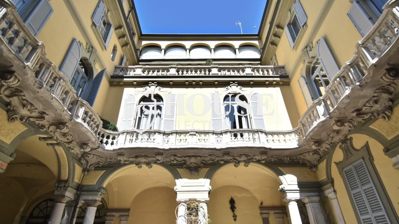 Vendita attico San Babila, centro storico Milano, ultimo piano, palazzo Visconti, lusso in stabile epoca, storico 25