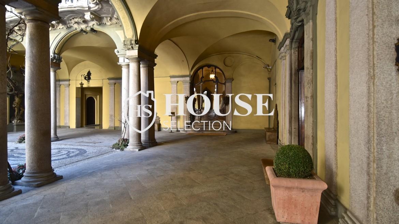 Vendita attico San Babila, centro storico Milano, ultimo piano, palazzo Visconti, lusso in stabile epoca, storico 27