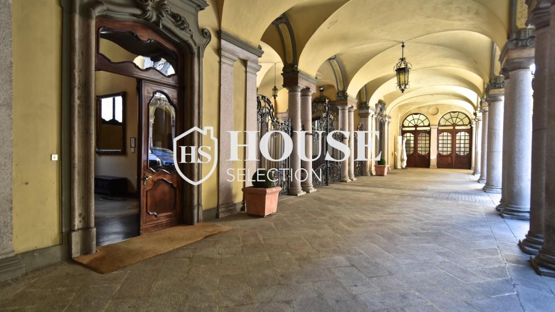 Vendita attico San Babila, centro storico Milano, ultimo piano, palazzo Visconti, lusso in stabile epoca, storico 28
