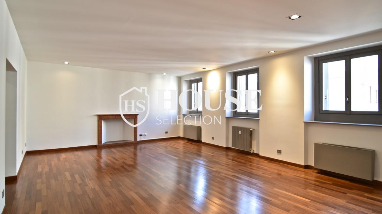 Vendita attico San Babila, centro storico Milano, ultimo piano, palazzo Visconti, lusso in stabile epoca, storico 4