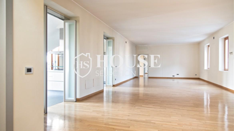Affitto attico con terrazzo via Dante | House Selection 10
