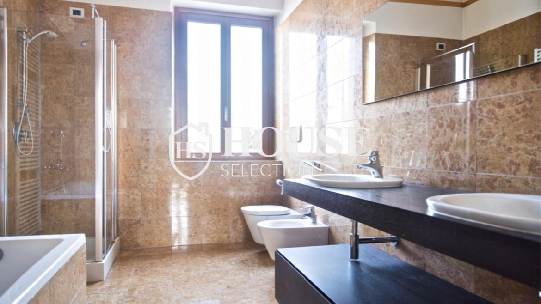 Affitto attico con terrazzo via Dante | House Selection 11