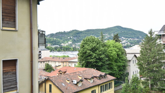 Vendita quadrilocale zona Sant'Agostino, Como