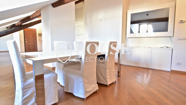 Affitto appartamento attico mansarda piazza Castello, foro Bonaparte, luminoso, ristrutturato, aria condizionata, centro storico Milano 1