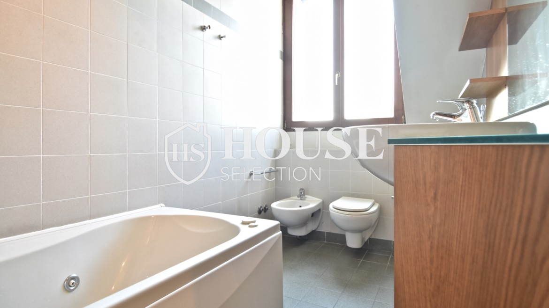 Affitto appartamento attico mansarda piazza Castello, foro Bonaparte, luminoso, ristrutturato, aria condizionata, centro storico Milano 16