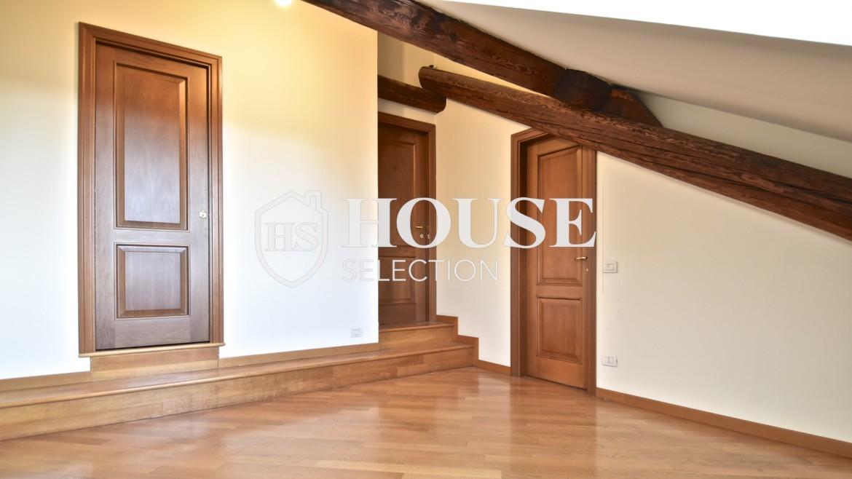 Affitto appartamento attico mansarda piazza Castello, foro Bonaparte, luminoso, ristrutturato, aria condizionata, centro storico Milano 17