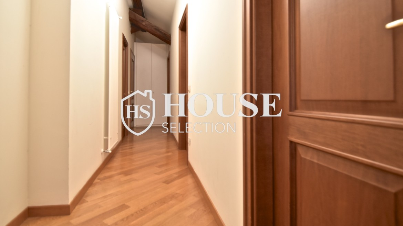 Affitto appartamento attico mansarda piazza Castello, foro Bonaparte, luminoso, ristrutturato, aria condizionata, centro storico Milano 5