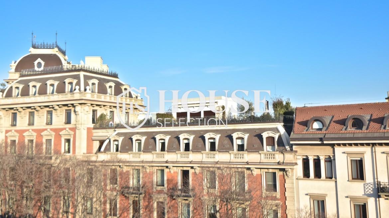 Affitto appartamento attico mansarda piazza Castello, foro Bonaparte, luminoso, ristrutturato, aria condizionata, centro storico Milano 6