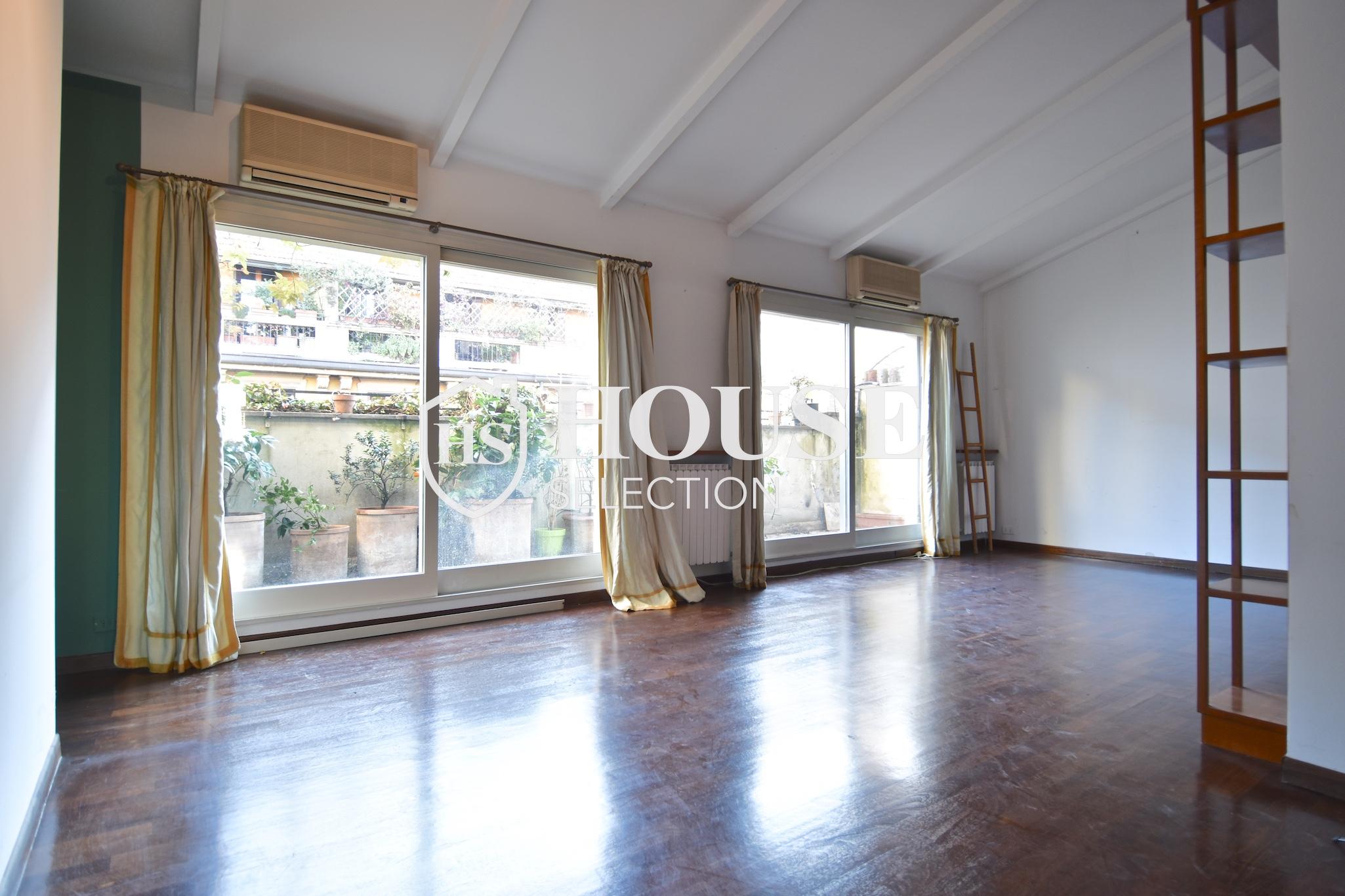 Affitto attico trilocale con terrazzino, via Archimede, tranquillo e luminoso, Milano 1