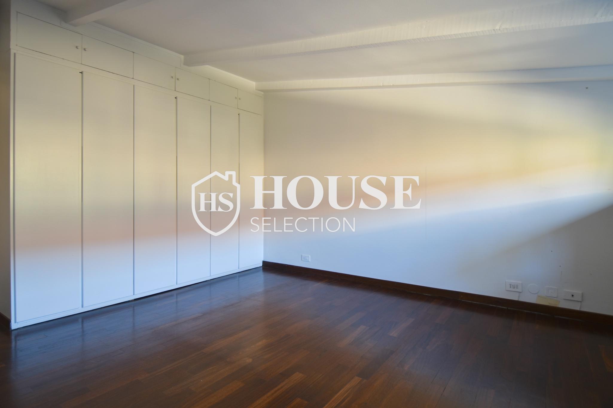 Affitto attico trilocale con terrazzino, via Archimede, tranquillo e luminoso, Milano 14