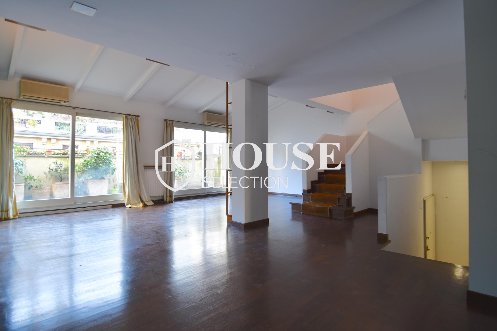 Affitto attico trilocale con terrazzino, via Archimede, tranquillo e luminoso, Milano 3