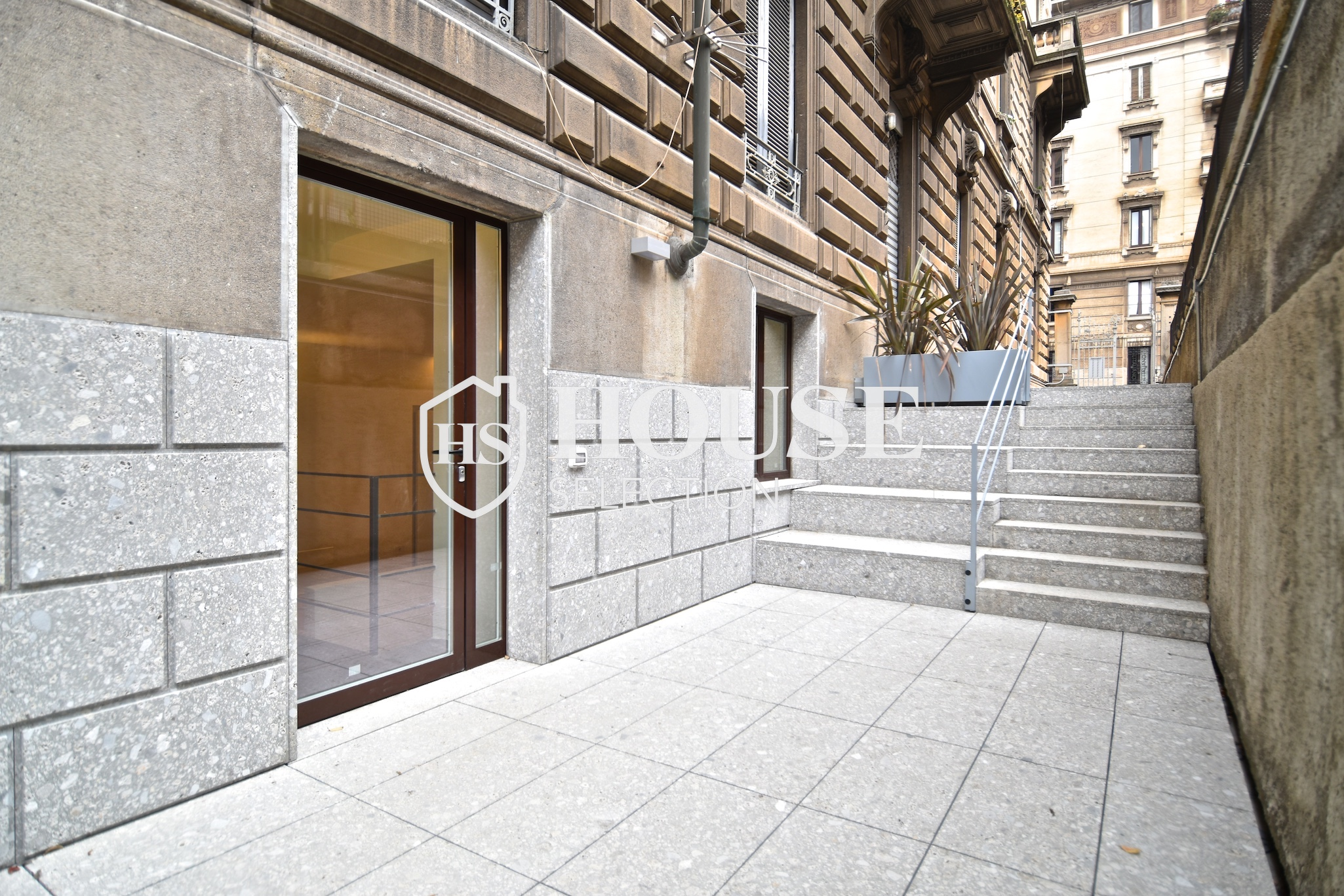 Vendita bilocale piazza Cincinnato, nuova realizzazione, seminterrato, con giardino privato, posto moto, ristrutturato, centro Milano 31