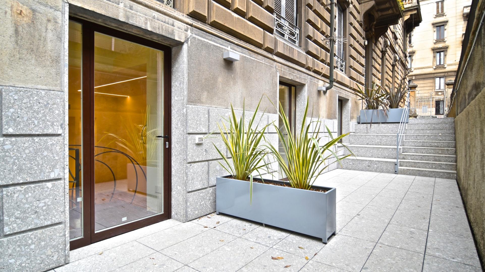 Vendita bilocale piazza Cincinnato, nuova realizzazione, seminterrato, con giardino privato, posto moto, ristrutturato, centro Milano