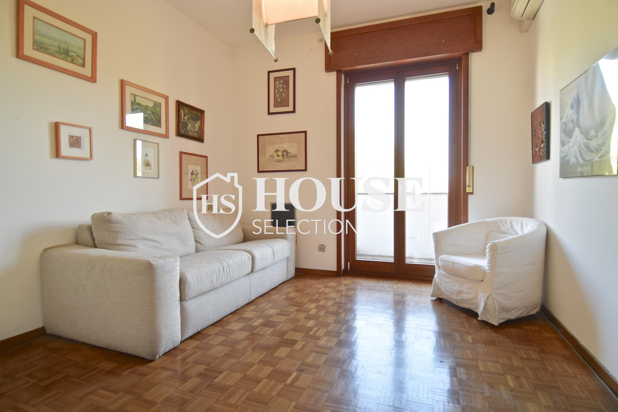 Vendita quadrilocale con balconi, piazza Bolivar, piano alto, luminoso, fermata metropolitana, Milano 1
