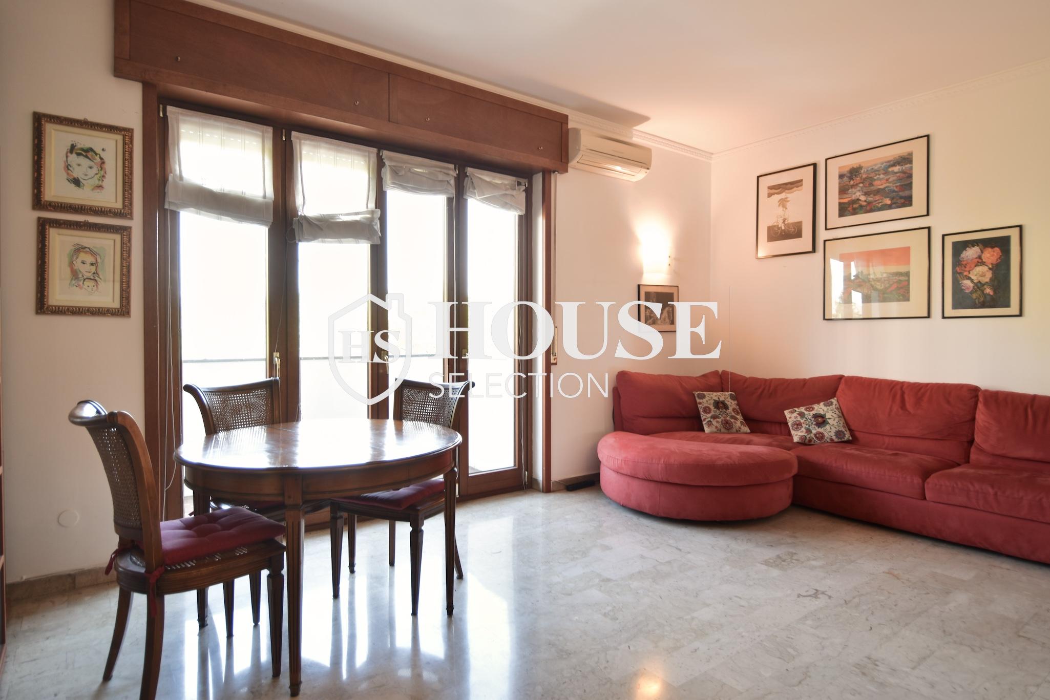 Vendita quadrilocale con balconi, piazza Bolivar, piano alto, luminoso, fermata metropolitana, Milano 12
