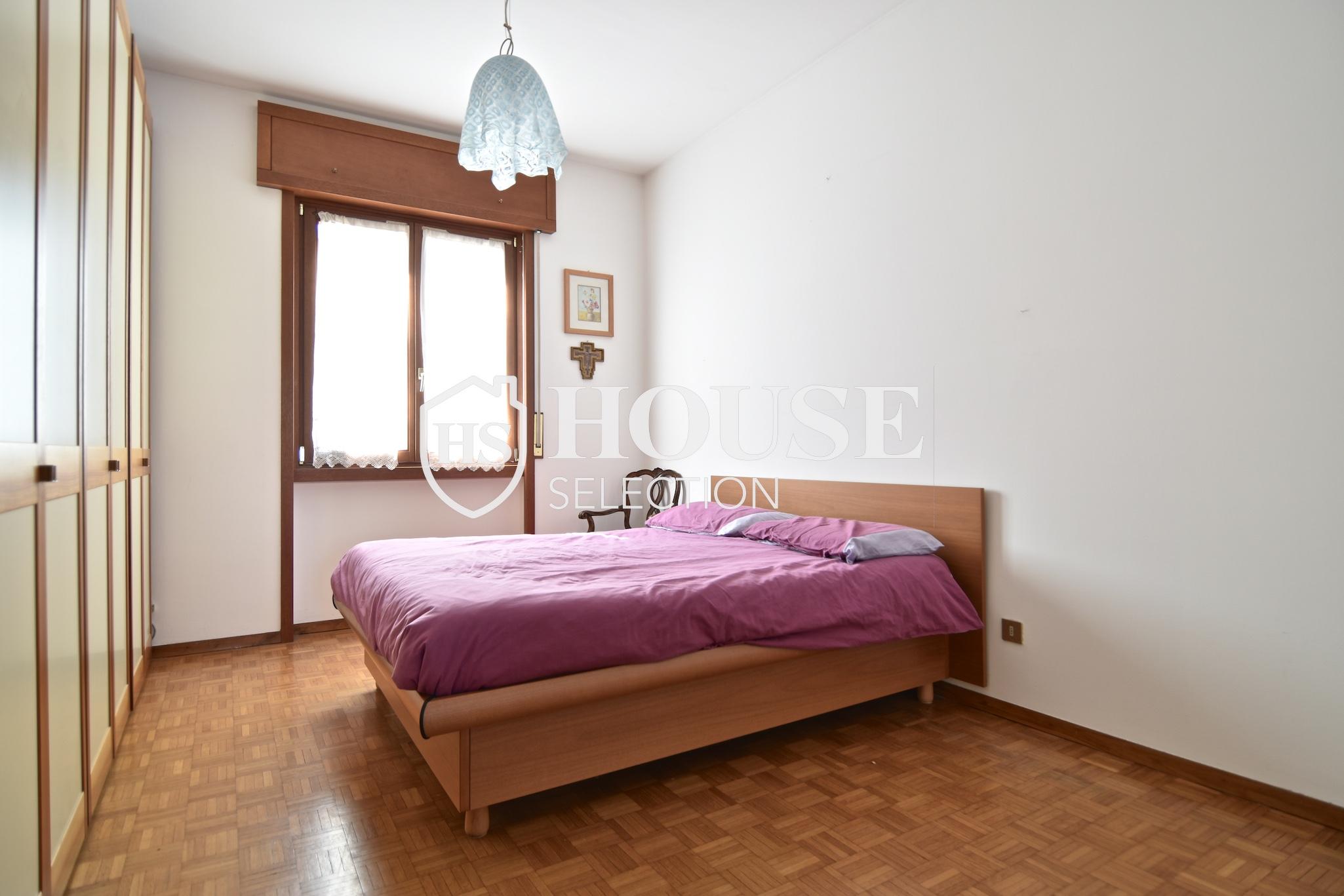 Vendita quadrilocale con balconi, piazza Bolivar, piano alto, luminoso, fermata metropolitana, Milano 15