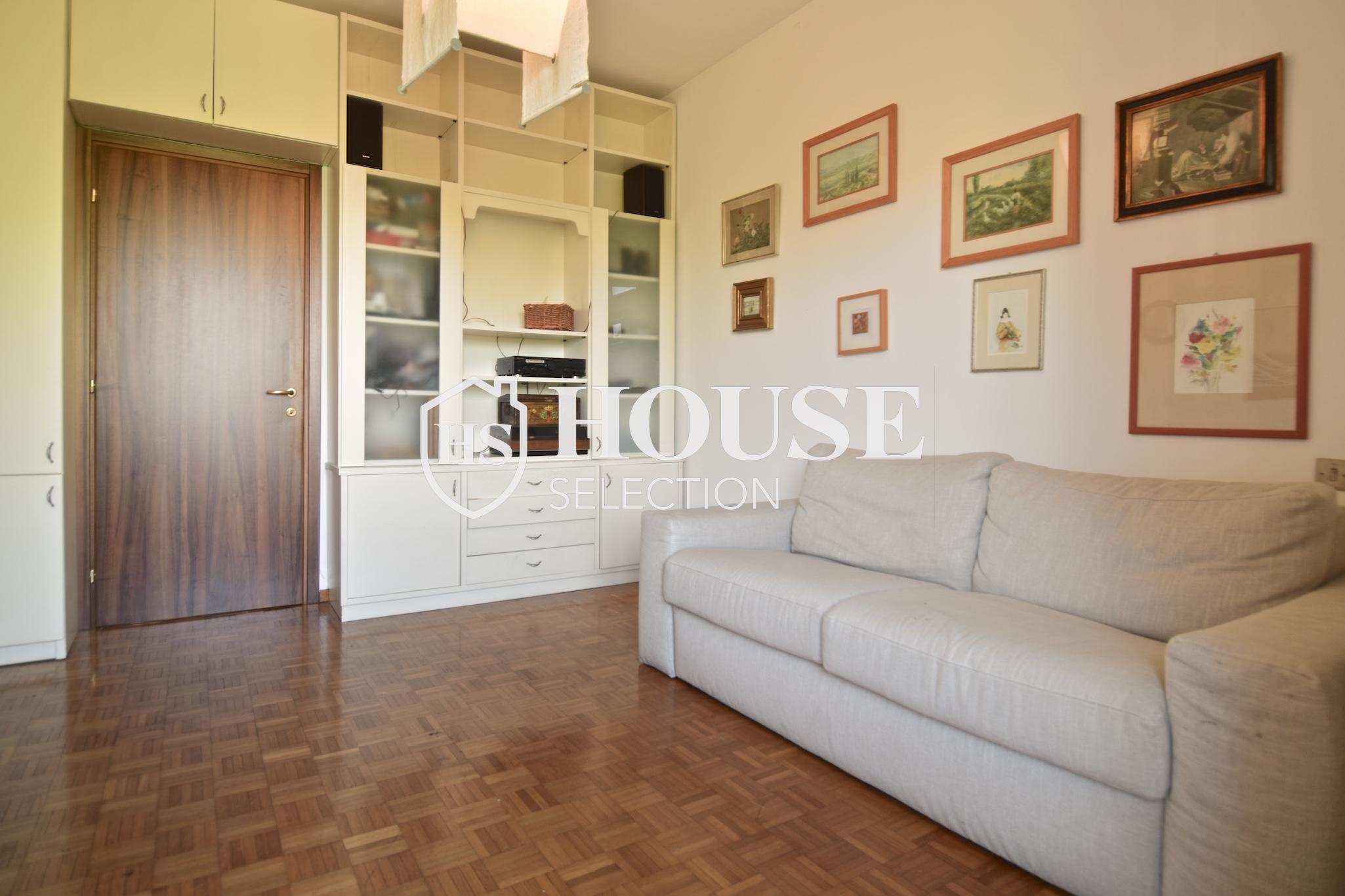 Vendita quadrilocale con balconi, piazza Bolivar, piano alto, luminoso, fermata metropolitana, Milano 3