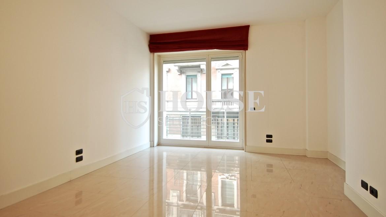 Affitto-ufficio-studio-corso-Venezia-centro-storico-Milano-ristrutturato-a-nuovo-luminoso-portineria-ascensore-18-1170x658